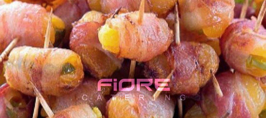 Кайсия с бадем увита в крехък бекон