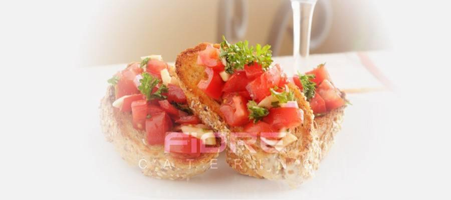 Брускети с домат, риган, зехтин и моцарела