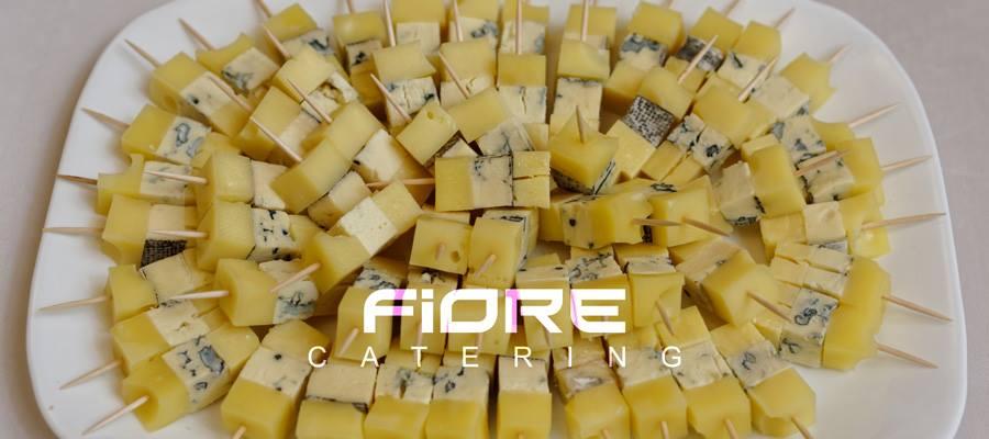 Шишчета от френски сирена(гауда, чедър и синьо сирене)